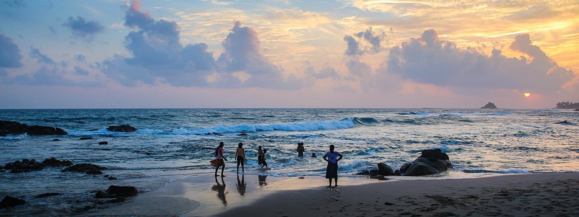 @natasasilec Midigama beach
