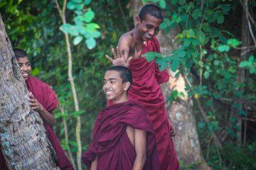 @natasasilec buddhist monks sri lanka