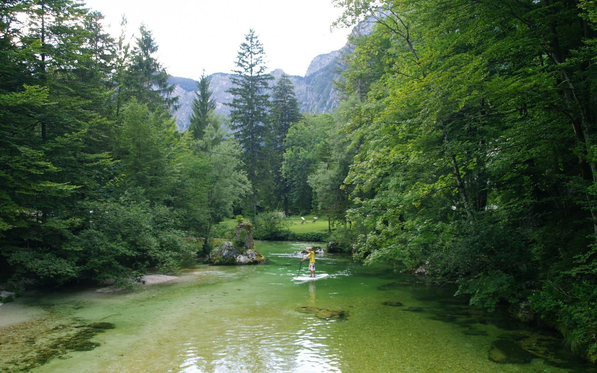 Standup Paddling Bohinj | Active SUP Tour Slovenia | Bananaway