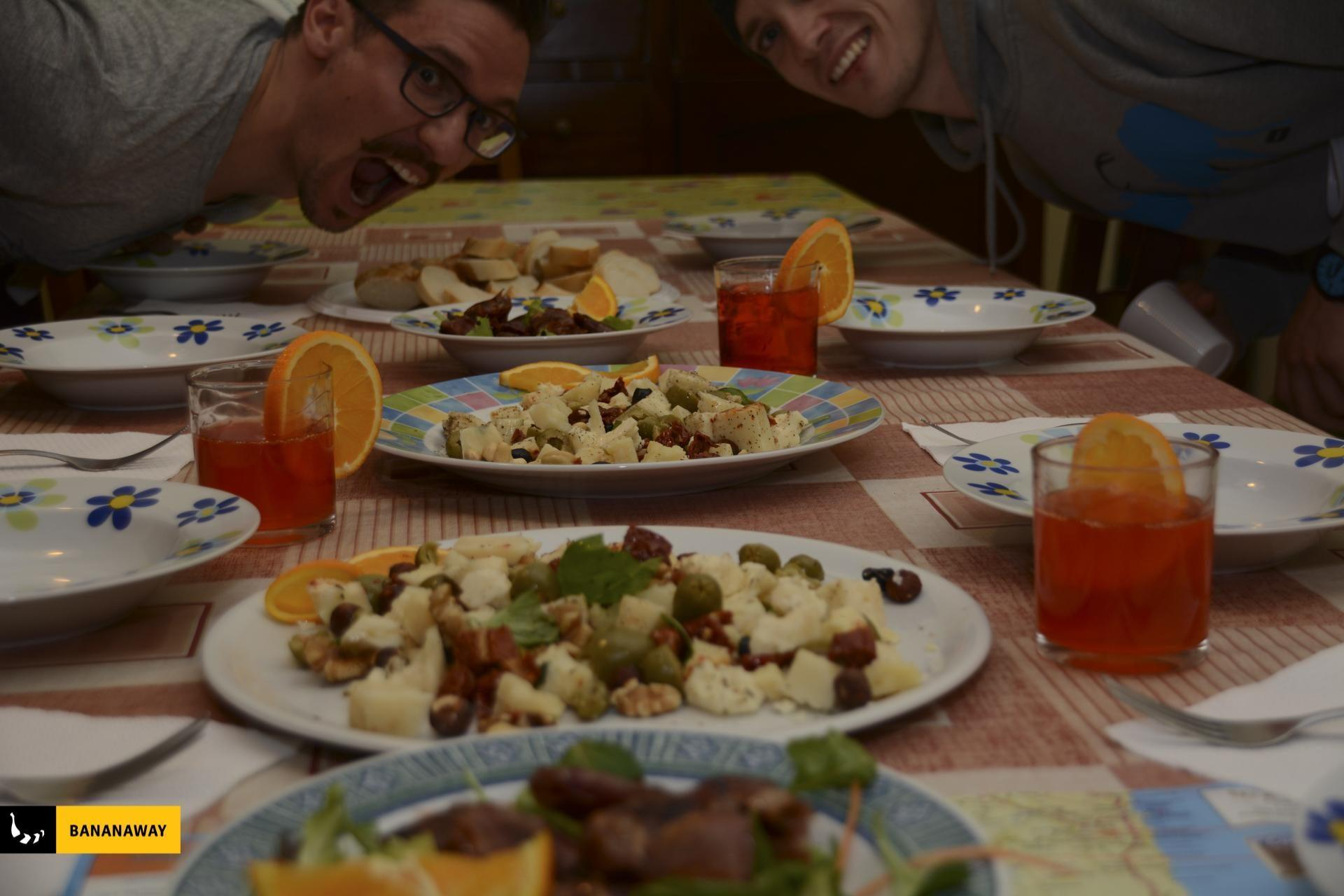 Obožujemo mediteransko hrano | kajt potovanje Sardinija