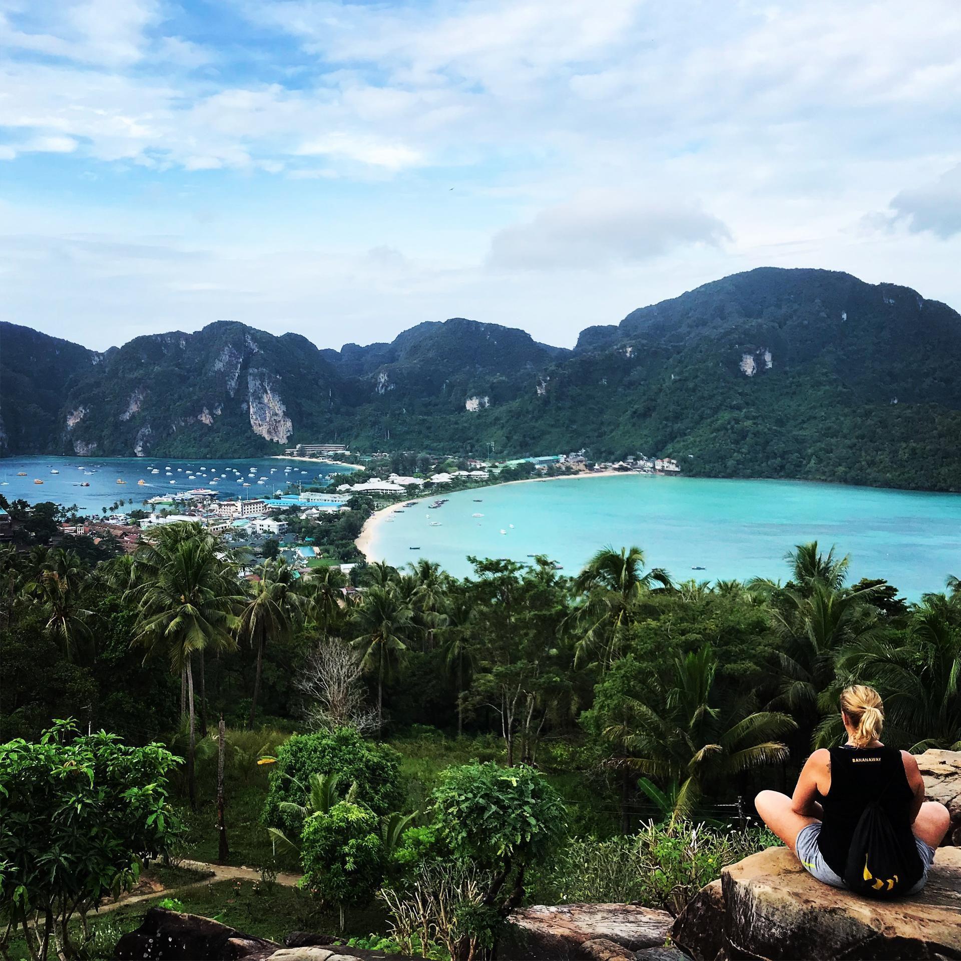 Razgledna točka na otoku Phi phi - vredno vsakega truda in kapljice švica. :)