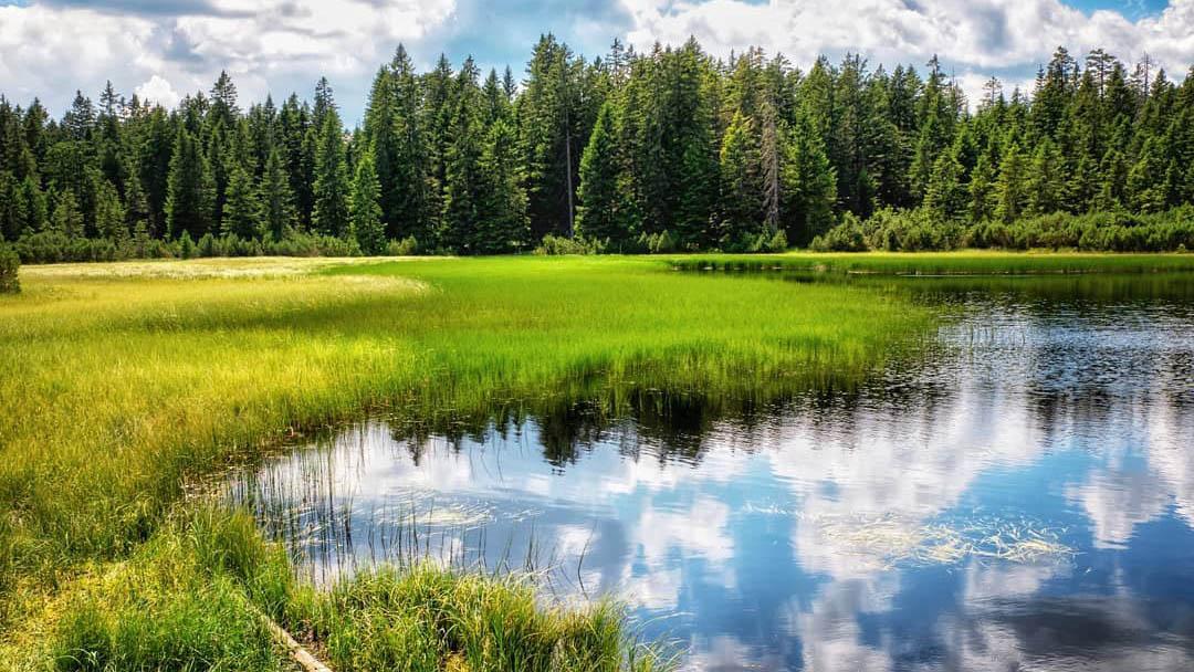 Prepovedana je vodna športno-rekreacijska aktivnost na jezerih na nadmorski višini nad 900m.