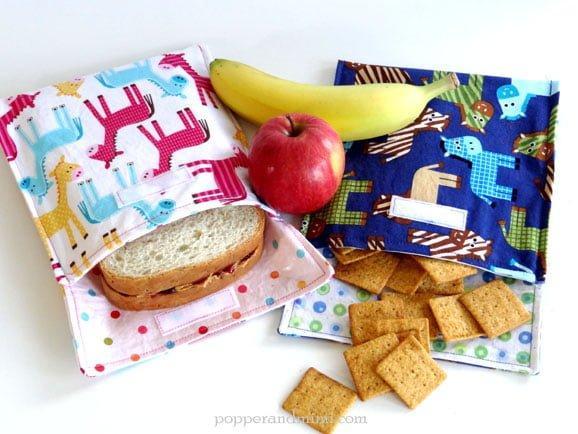 Sendvič, sadje ali prigrizke, lahko zložiš v posebne vrečke iz laminiranega bombaža.