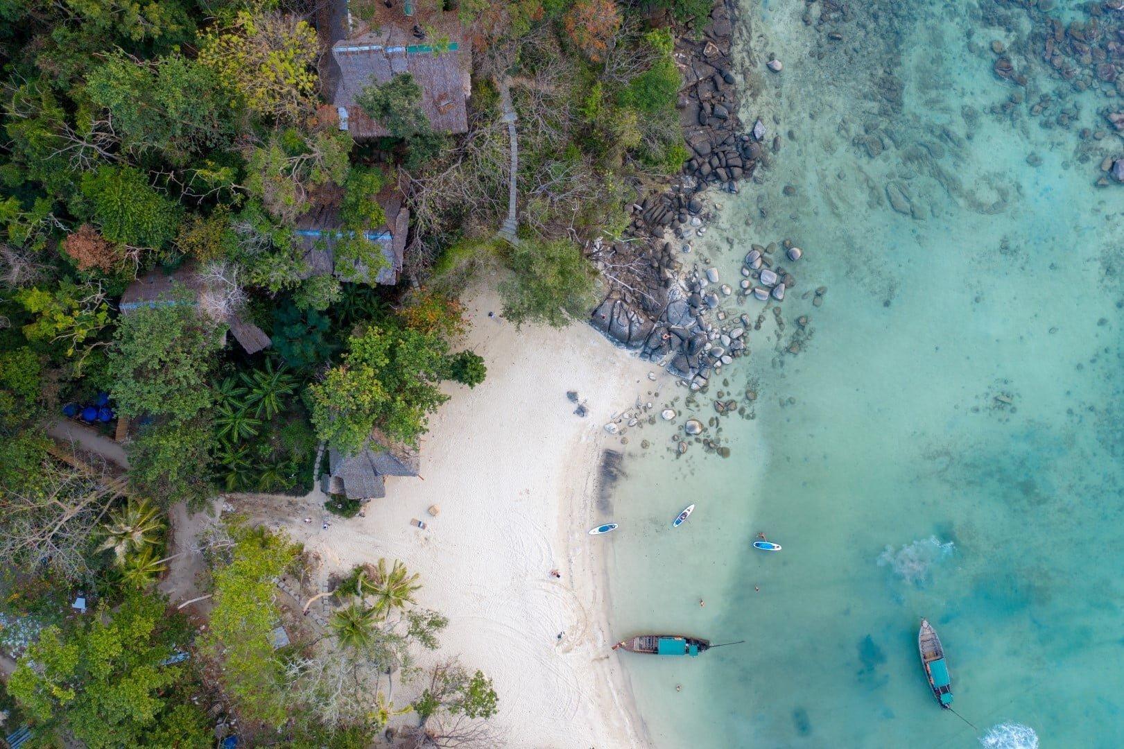 Supanje do samotne plaže Phi Phi-ja