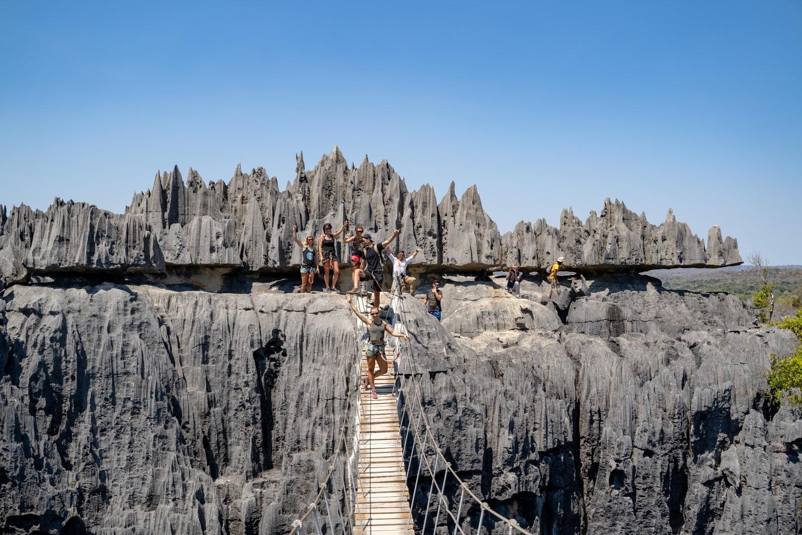 Plezanje po apnenčastem, UNESCO zaščitenem Big Tsingy