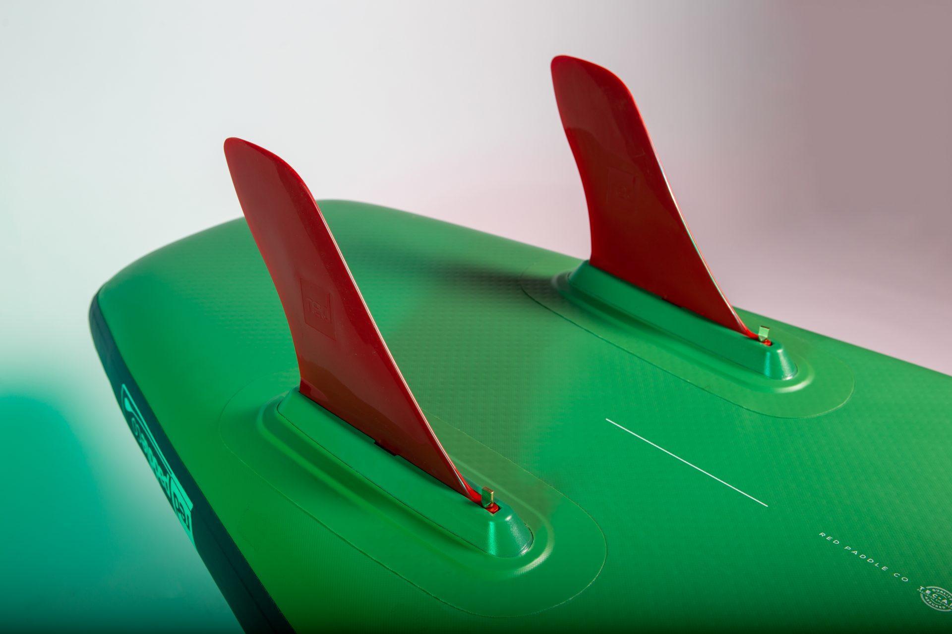 Red Paddle Co Voyager 13'2 ima nov sistem dveh smernikov