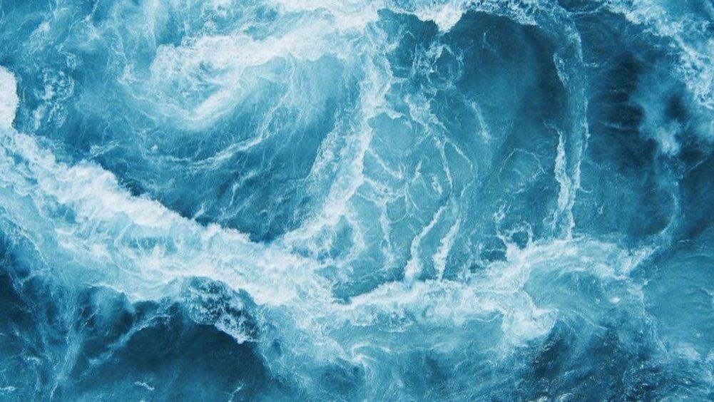 Morje deluje zelo meditativno