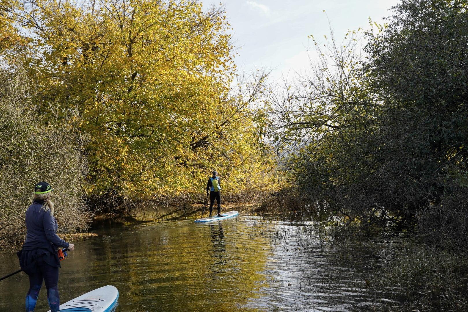 Dva suparja raziskujeta krajinski parku Radensko polje