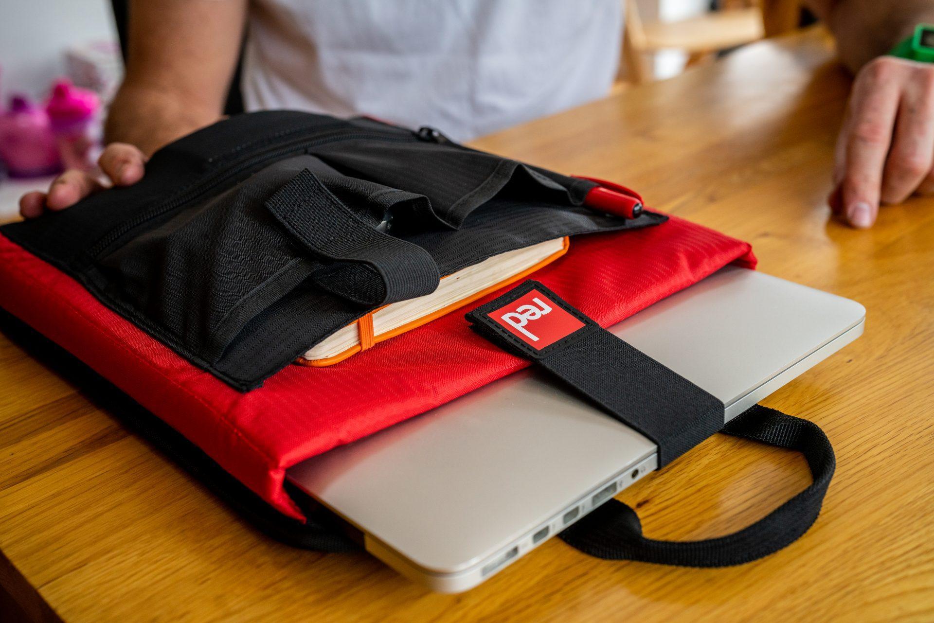 Vodoodporen nahrbtnik Red Original 30L, notranji ovitek za prenosni računalnik