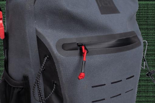 Vodotesni nahrbtnik 30l iz reciklirane plastike Red Original sive barve, spredaj dodaten vodotesni žep